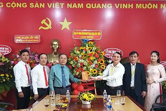 Hình ảnh các đơn vị đến thăm và chúc mừng Nhà trường nhân dịp ngày Nhà giáo Việt Nam 20-11-2020.