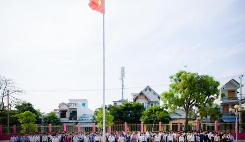 Chào cờ Tổ quốc và hát Quốc ca, nghi lễ thiêng liêng nét đẹp trong văn hóa học đường của Trường Cao Đẳng Giao Thông Vận Tải II