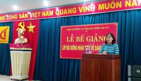 Đảng ủy Trường Cao Đẳng Giao Thông Vận Tải II tổ chức lớp bồi dưỡng nhận thức về Đảng Cộng Sản Việt Nam năm 2016