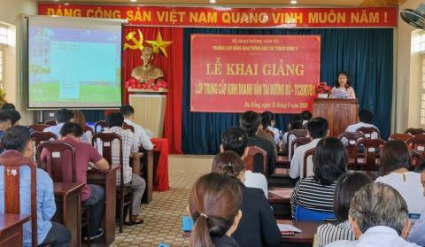 Trường CĐ GTVT Trung ương V khai giảng lớp Trung cấp Kinh doanh vận tải đường bộ - TC20KVB1